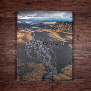 Fotobuch-Regal.de - Rezension: Stefan Forster - Chasing Light - Vorderseite